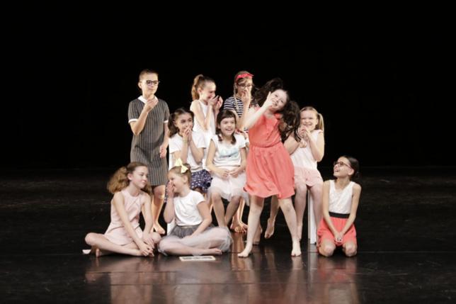 Représentation de l'école Jazzy Danse à Ste Hermine